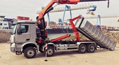 Camion 20t ampliroll-grue, Sainghin-En-Weppes 544€