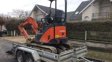 Mini excavator HITACHI ZX17 €120
