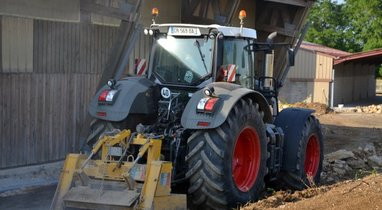 Location Tracteur Troyes 640€