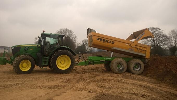 Location tracteur benne tp 21 tonnes bonni res bonni res 200 jour equipements a partager - Location benne prix ...