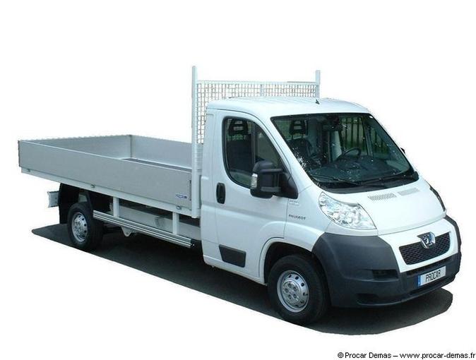 location camion benne peugeot fismes fismes 98 jour equipements a partager. Black Bedroom Furniture Sets. Home Design Ideas