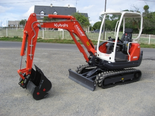 Location mini pelle KUBOTA Amiens 125 €